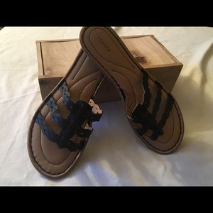 Sonoma thong sandals size 7 1/2
